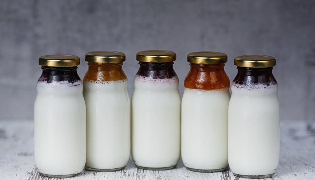 Jogurt kozi z dodatkami